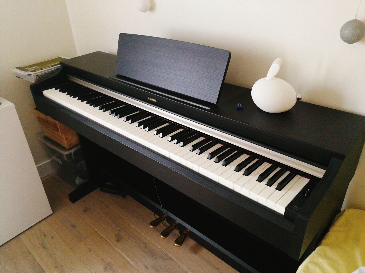 Piano điện Yamaha YDP162